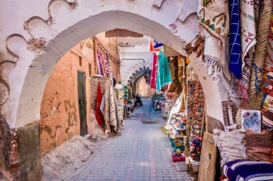 Caminando por los zocos de la medina de Marrakech