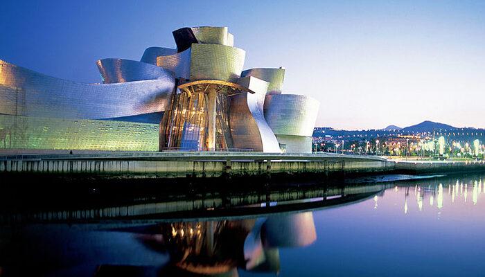 Los 10 mejores lugares para visitar en España: Guggenheim de Bilbao