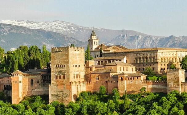 Los 10 mejores lugares para visitar en España: la Alhambra